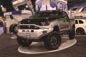 Premium Heavy Duty Winch Front Bumper TT07-H1852-1